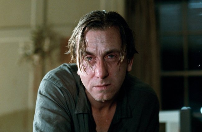 Tim-Roth-in-Funny-Games-US-2007-funny-games-15316871-1400-916