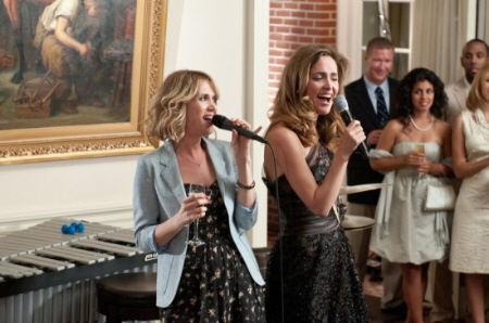 bridesmaids-movie-photo-31-550x364