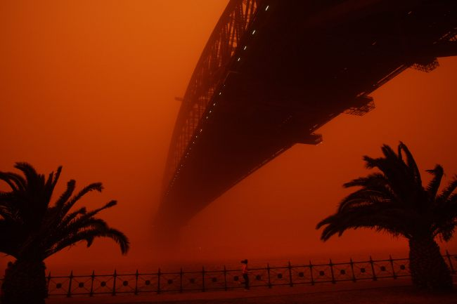 473455-sydney-039-s-red-dust-storm