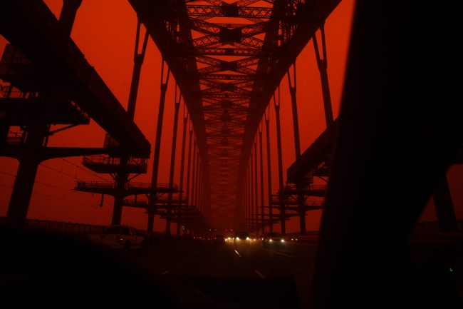 486917-sydney-039-s-red-dust-storm