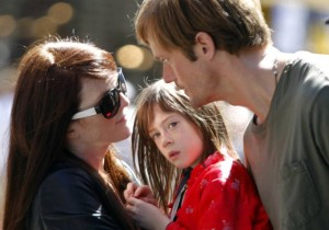julianne-moore-marries-alexander-skarsgard-in-what-maisie-knew