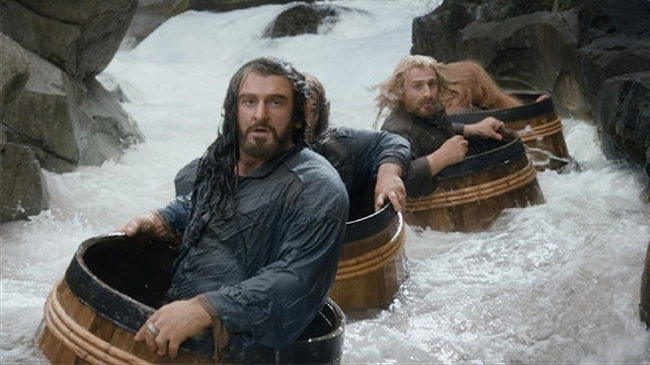 The-Hobbit-The-Desolation-of-Smaug-Barrel-Riding1