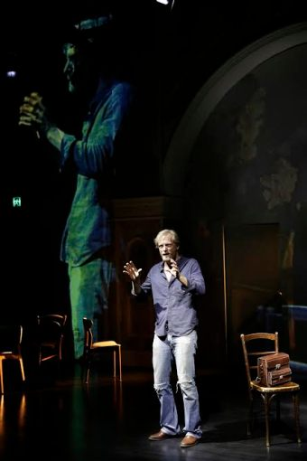 a man with five children, nick enright  darlinghurst theatre, photo by helen white